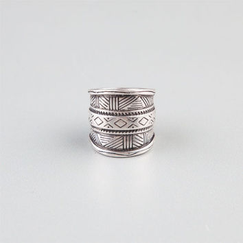 Full Tilt Etched  Wide Band Ring Silver