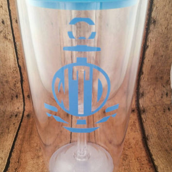 Monogrammed Wine to go cup, wine tumbler, acrylic wine travel mug, Vine Monogram Wine glass, personalized glass, red, blue, pink, clear lid.