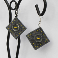 Button square earrings 8, felt, hand-sewn earrings, buttons, unique, light, grey, yellow felt, unusual gift, surprising earrings