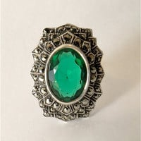 Art Deco cocktail ring. Emerald  crystal.  Sterling silver. Uncas
