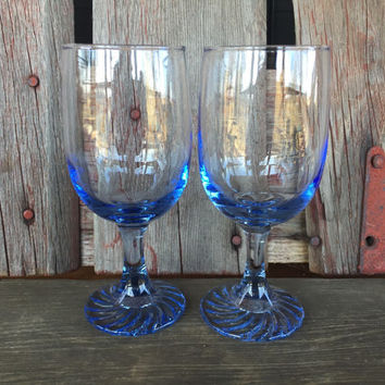 vintage light blue 10 oz wine glasses, wedding table toasting glasses, vintage blue glassware, retro bar cart glasses, Libbey swirl glasses