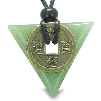 Amulet Triangle Lucky Coin Green Quartz Arrowhead Healing Pendant Necklace