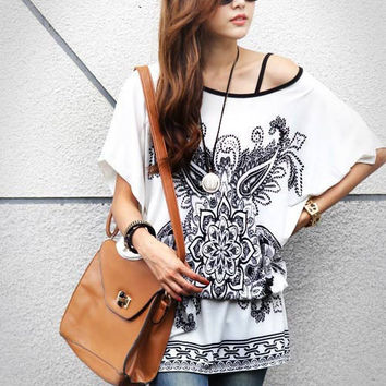 Women's Black and White Summer Fashion Top Shirt Lightweight Loose Long