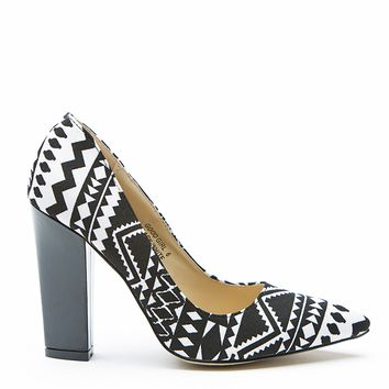 GOOD GIRL Tribal Pump