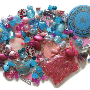 Over 180 Pcs. Assorted Pink Blue Beads Pendants Charms Christmas Lampwork Glass Acrylic Shell Jewelry Making Crafts Bugle Skate Stocking