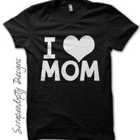 Love Mom Shirt - First Mothers Day Shirt / Newborn Baby Tshirt / New Mom Black Shirt / Kids I Love Mom Outfit / Toddler Boys Clothes / Mommy