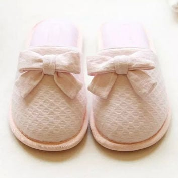 Bow Detail Round Toe Pink Slippers