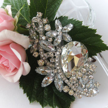 "Swarovski Crystals Bridal Brooch ""Tear in the Garden"", Wedding Brooches, Brooch Pin, Rhinestone Brooches, Vintage Brooches, Wedding Jewelry"