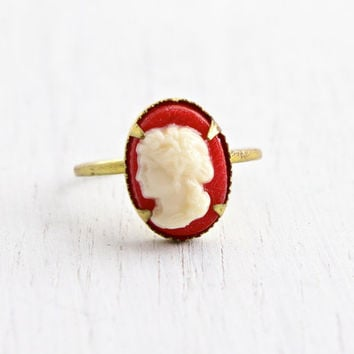 Vintage Cameo Brass Czech Ring - 1930s Red & White Lucite Cameo Made in Czechoslovakia Size 5 Costume Jewelry