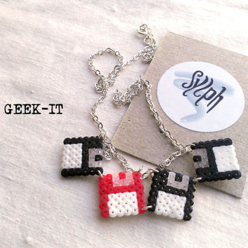 Necklace & combo made of Hama Mini Beads - Geek IT (red)