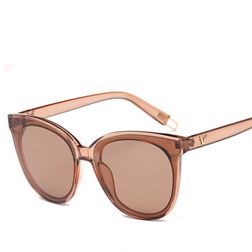 2017 Newest Aviator Sun Glasses for Women Designer Fashion Transparent Cateye Sunglasses Plastic Frame Eyewear Luxury Brand logo