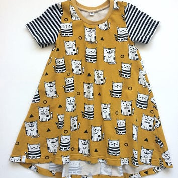 Girls tshirt dress with short sleeves. Summer dress. Yellow jersey fabric with cats. Toddler dress. Mustard yellow, black white stripes