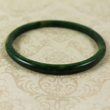 Vintage Marbled Green and Yellow Bakelite Smooth Bangle Spacer Bracelet