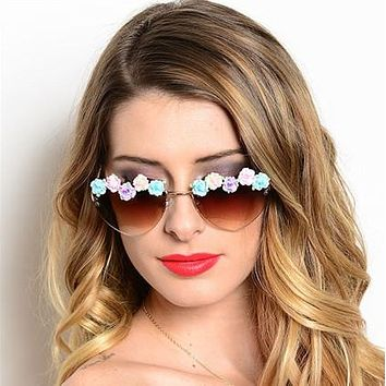 SALE 50% OFF Heart Shaped Flowers Sunglasses Summer Of Love Sunnies Pastel Flower Border Brown Or Black Available Groovy