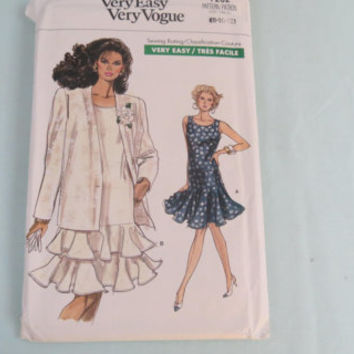 Vogue pattern Very Easy Very Vogue sewing pattern size 8-10-12 misses petite jacket and dress 7702