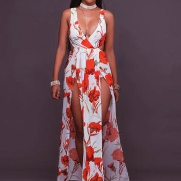 """BODYCON"" Print on White Backless Flowers Women's Maxi Dress"