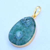 Druzy Pendant, druzy pendant, green Druze Agate Edged in Gold Pendant, Drussy Teardrop Pendant Necklace,