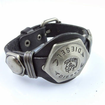 Fashion Punk  Adjustable Leather Wristband Cuff Bracelet - Great for Men, Women, Teens, Boys, Girls 2728s