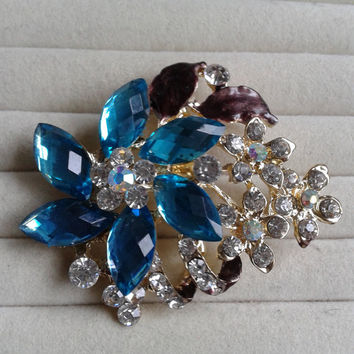 brown and blue  crystal flower rhinestone goldtone  brooch  pin