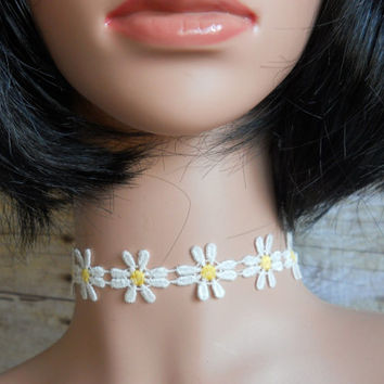 Daisy Ribbon Choker Necklace, Retro 90's Jewelry, Summer Festival Necklace, Goth Lolita Necklace, 80's Necklace, Daisy Choker, Boho Necklace