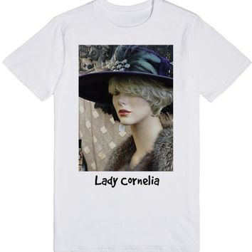 Lady Cornelia | T-Shirt | SKREENED