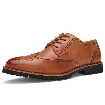Pointed Toe Carved Vintage Brogue Shoes