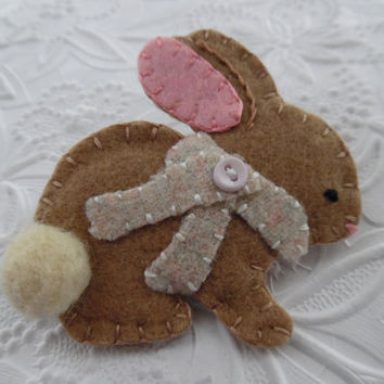 Felt Brooch Bunny Christmas Felted Wool Pink Scarf Coat Pin Primitive