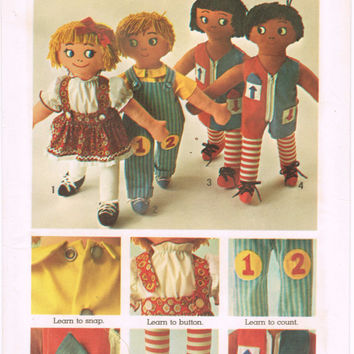 Simplicity 9137 - Vintage 1970s Sewing Pattern - Set Of Rag Dolls Transfers Included