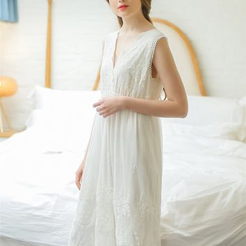 V neck Lace Nightgown Wmoen Elegant Sleepwear Romantic lace Vest Dressing gown summer Long white pink Home cloth
