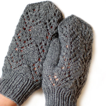 Womens Romantic Lace knitted Mittens gloves, warm woolen gloves, knitted mittens, Natural gray mittens, kniti mittens, knit chunky mitts