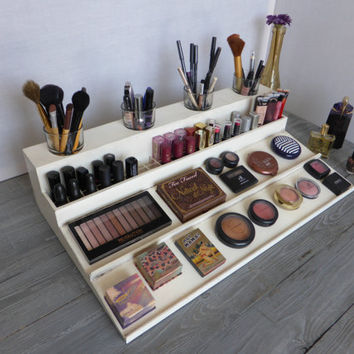 Makeup organizer in many colours - magnetic display - Beauty station in pale pink - bathroom storage - Rangement maquillage