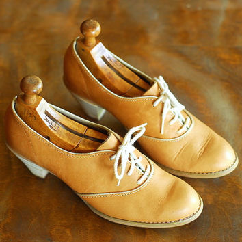 vintage tan leather oxfords / size 8