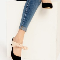 Black Point Toe Contrast Bow Tie Heeled Mules