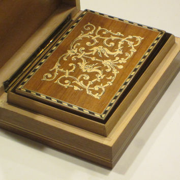 Italian Inlaid Maple Exotic Birds Nested Boxes Hand Work Floral Marquetry