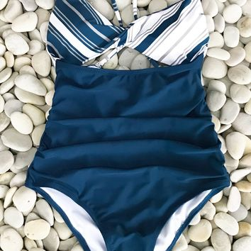 Cupshe Sparkle In The Sun Cross One-piece Swimsuit
