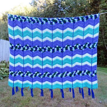 Vintage crochet afghan blanket throw in purple green white blue chevron zig zag pattern 72 x 53 in