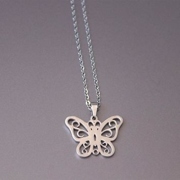 1pc The Butterfly Family Stainless Steel Necklace Insect Pendants Necklaces Women Kids Love Fashion Memorial Jewelry