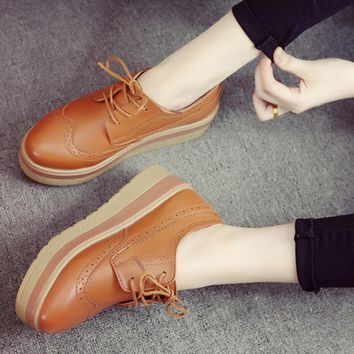 NEW 2017 Spring Women's Flat Platform shoes Fashion Flats Casual Lace-Up Oxfords shoes