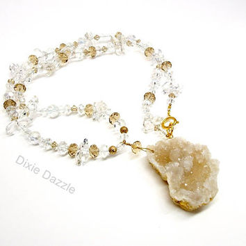 Quartz druzy necklace, elegant necklace, geode jewelry, crystal quartz, party style, champagne crystals, healing crystals, semiprecious gem
