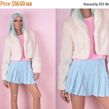 HOLIDAY SALE 90s White Cropped Faux Fur Jacket