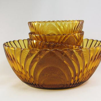 Honey Amber Serving Bowl Set | Master Bowl | Berry Bowls | Arched Fans | Scallops | Stippled