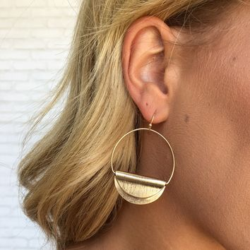 Aria Hoop Earrings in Gold