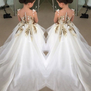 2016 Appliques Sequins Ball Gown Flower Girls Dresses For Wedding Organza With Long Train Girls Pageant Dresses For Little Girls