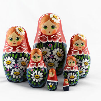 Matryoshka Russian Nesting Doll Babushka Beautiful Сhamomiles Daisies Flowers Set 7 Pieces Pcs Hand Painted Wooden Souvenir Handicraft Craft
