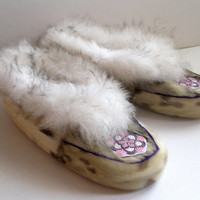 Womens Vintage Furry Moccasin Slippers