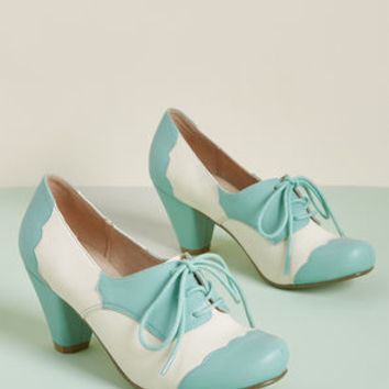 Chelsea Crew This Stride of Paradise Oxford Heel in Mint