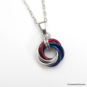 Patriotic USA pendant, chainmaille love knot