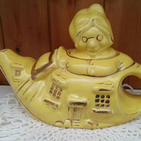 LINGARD vintage teapot/old lady who lives in a shoe teapot/1930s novelty teapot/collectable vintage teapot