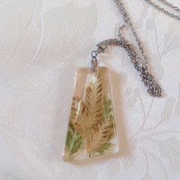 Handmade resin necklace  - Pressed Flower Jewelry, Botanical Jewelry, Pendant Charm, Reiki  charged