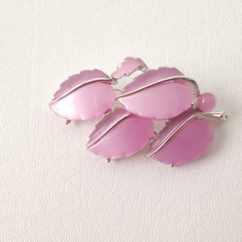 "Vintage Lisner Pink ""Mother of Pearl"" Leaf Pin or Brooch -1950's classic"